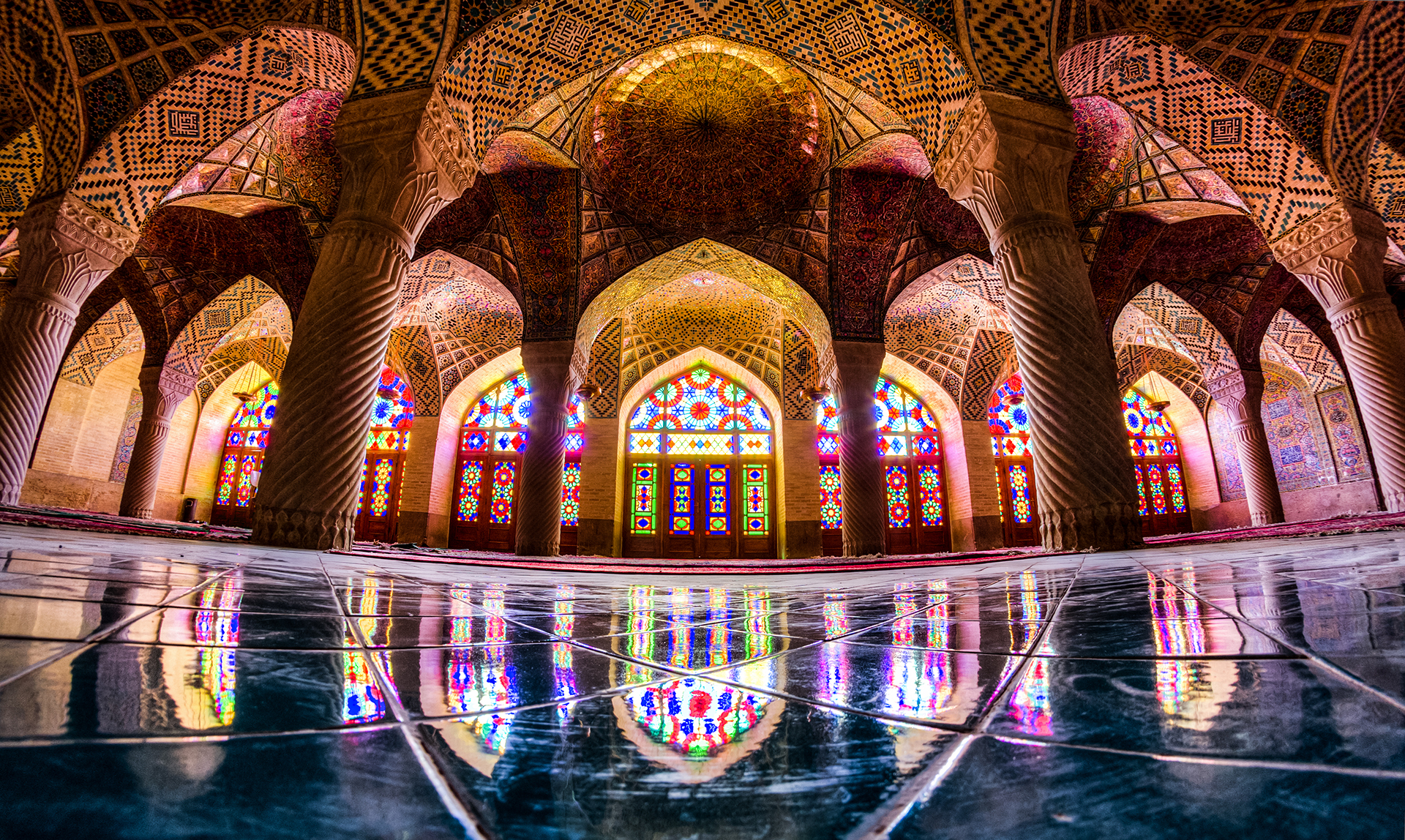 The amazing colors of Nasir al-Mulk
