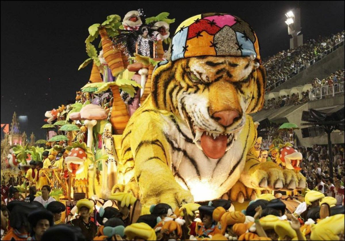 Strangest animal costumes at Rio's Carnival 2014 | The Golden Scope