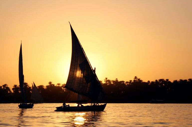 sunset-over-the-river-nile-photo_1469035-770tall