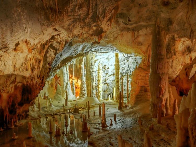 copertina caverne resize