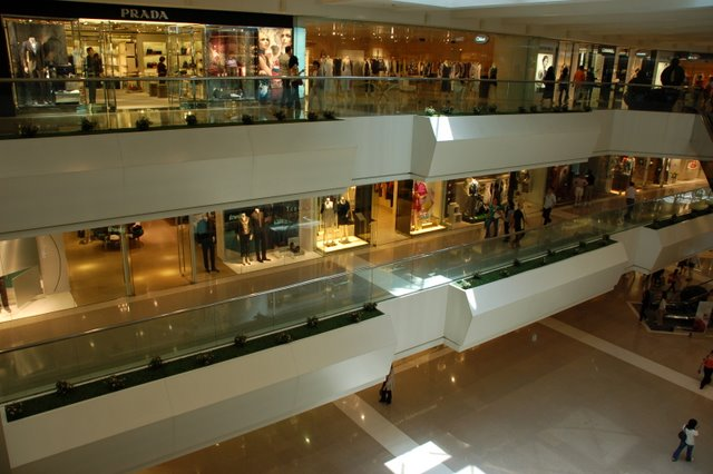 Hong-Kong-Shopping-Mall
