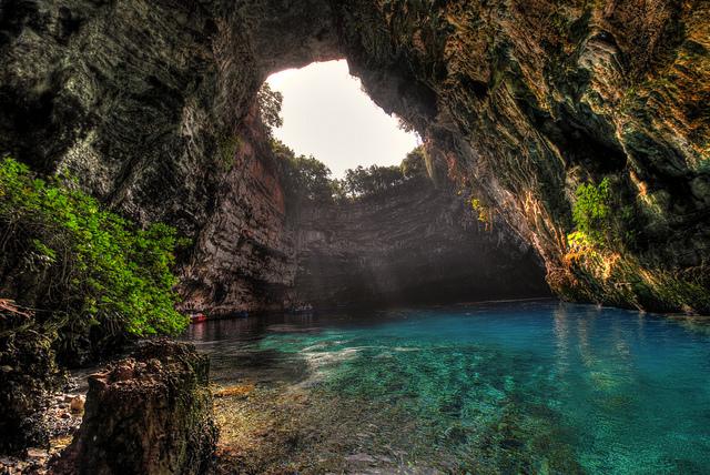 Lakes_Melissani_Cave_Lake