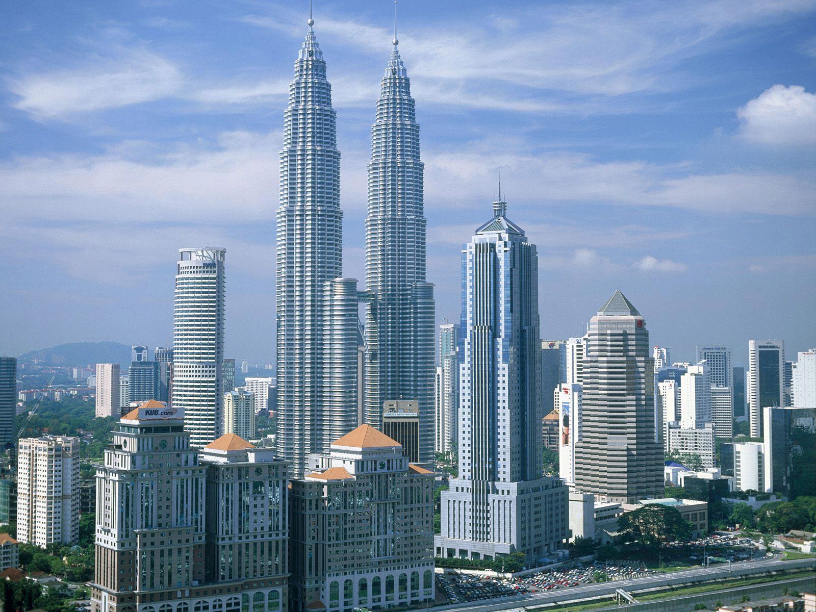 Petronas Towers 2 tourists360.com