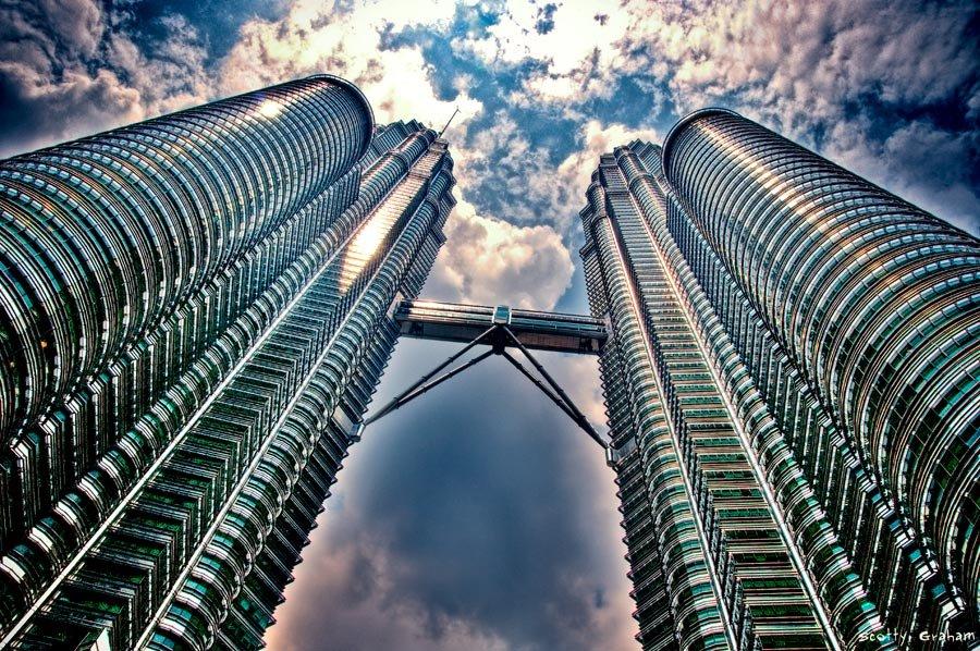 Petronas Towers blog123hotel.com