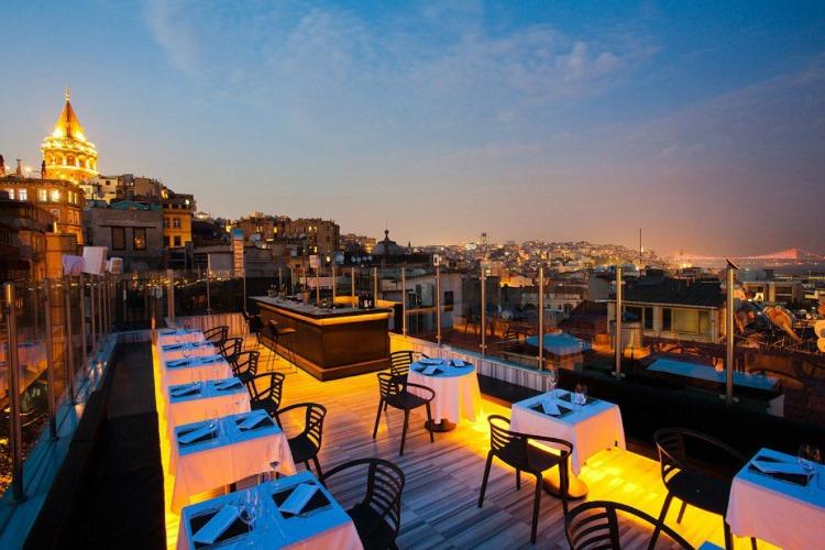 a copertina gradiva_hotel_istanbul_turkey