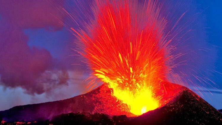 a copertina vulcani
