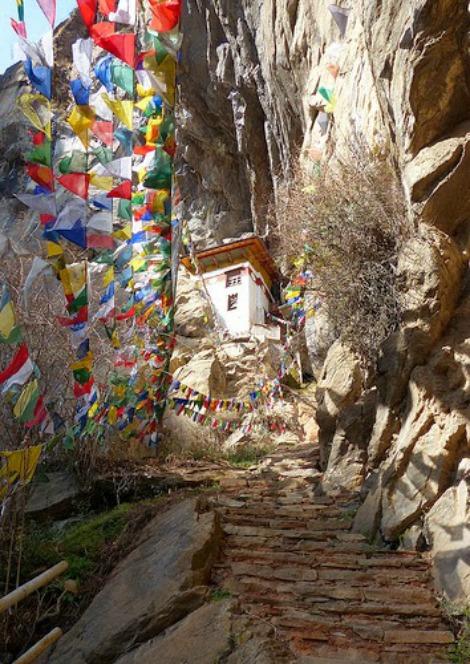 Monastero-di-Taktsang-Buthan 3b ingrandire