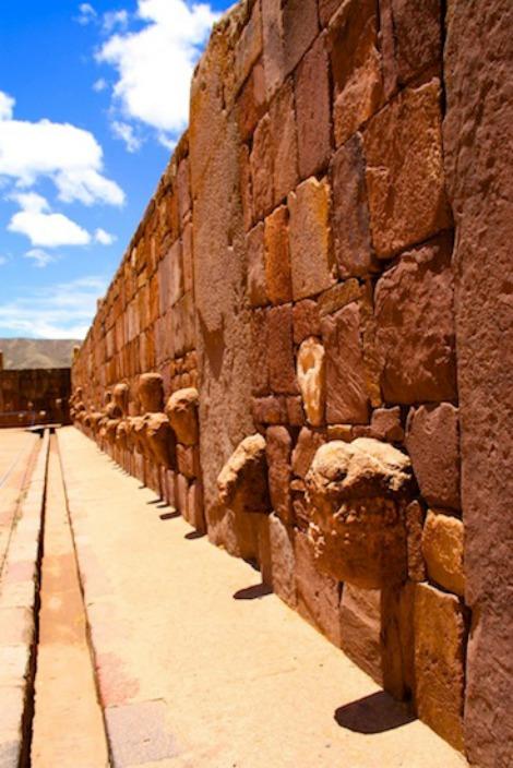 Tiwanaku 2 ingrandire