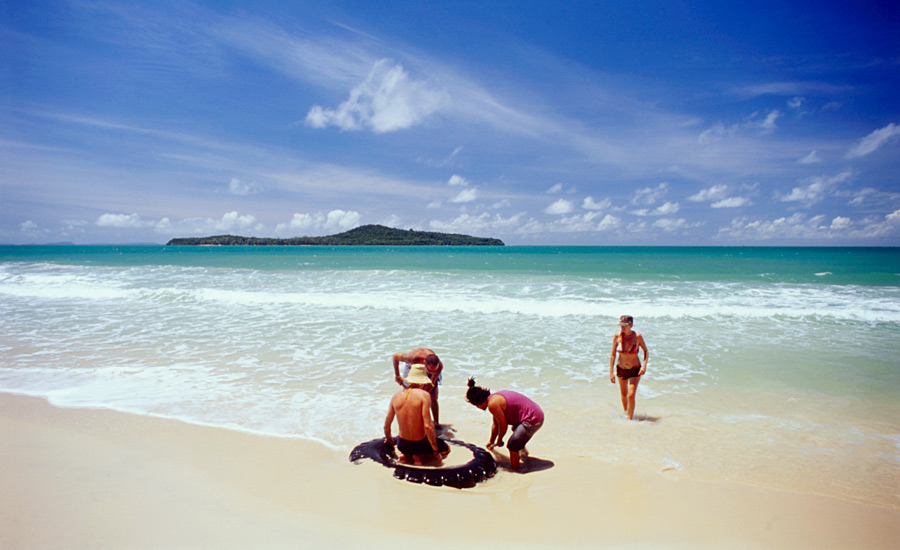 holiday island abandonware download