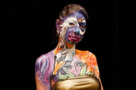 Body Painting By Shannon Holt The Golden Scope - Artist turns humans amazing animal portraits using body paint