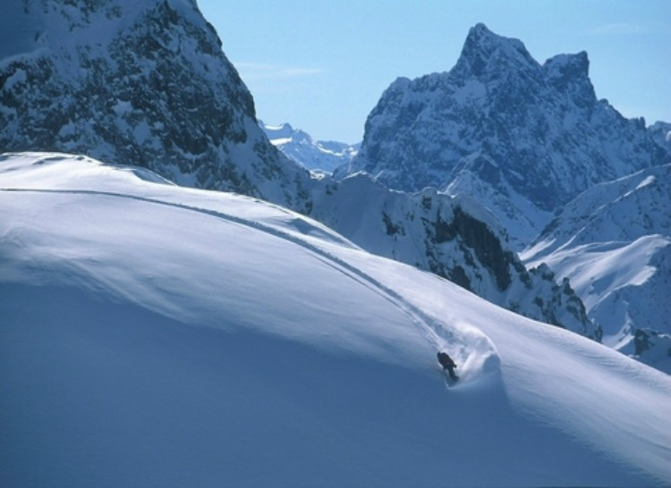 a copertina resort_carousel_Lech_powder