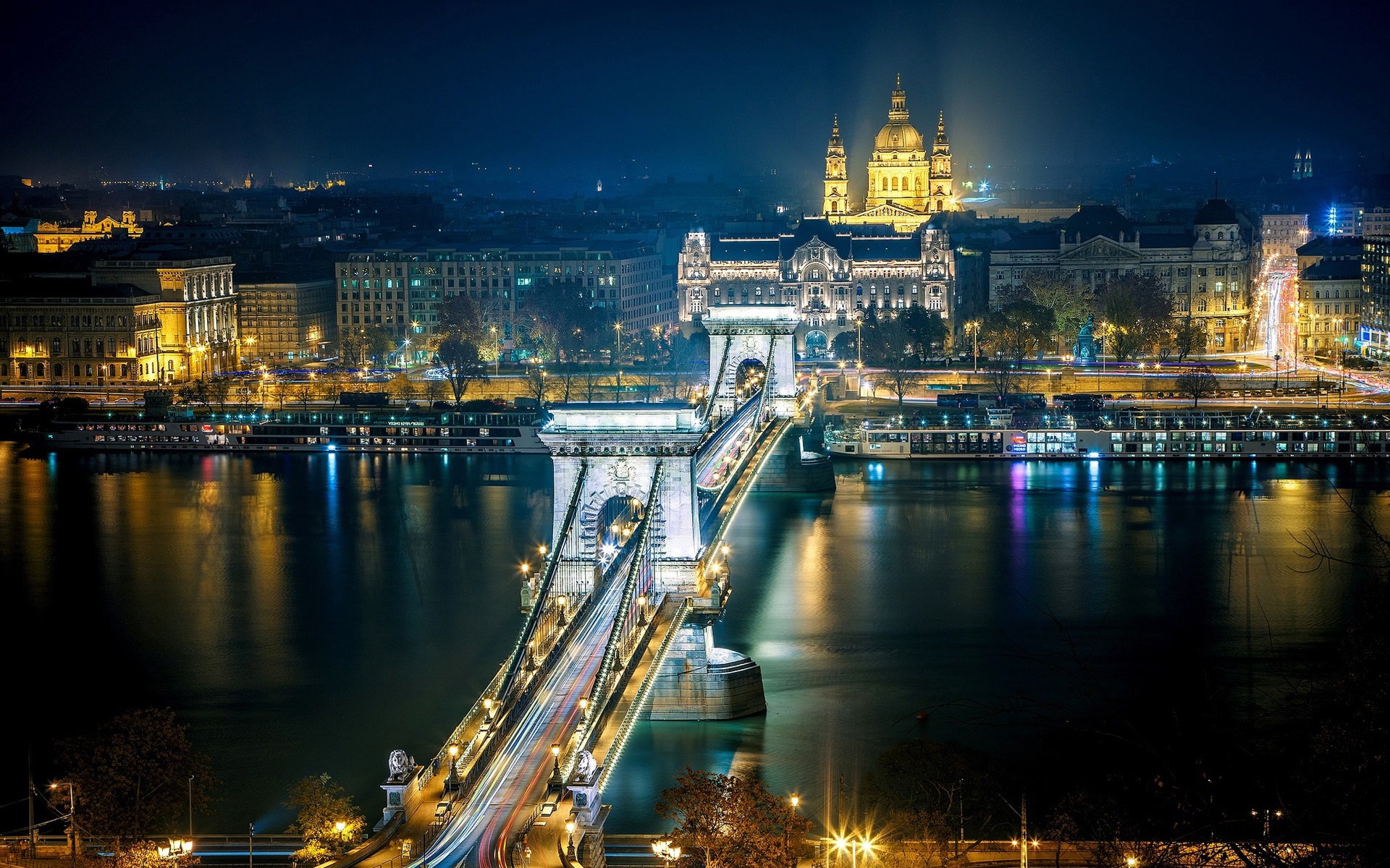 zBudapest-Hungary-the-Danube-river-city-night-lights_1920x1200