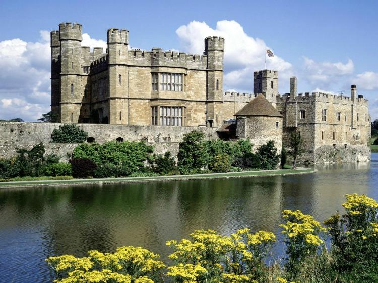 0 copertina sabato Leeds_Castle 9