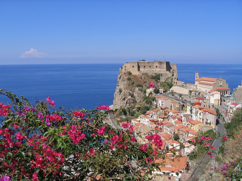 Scilla, between myth and legend
