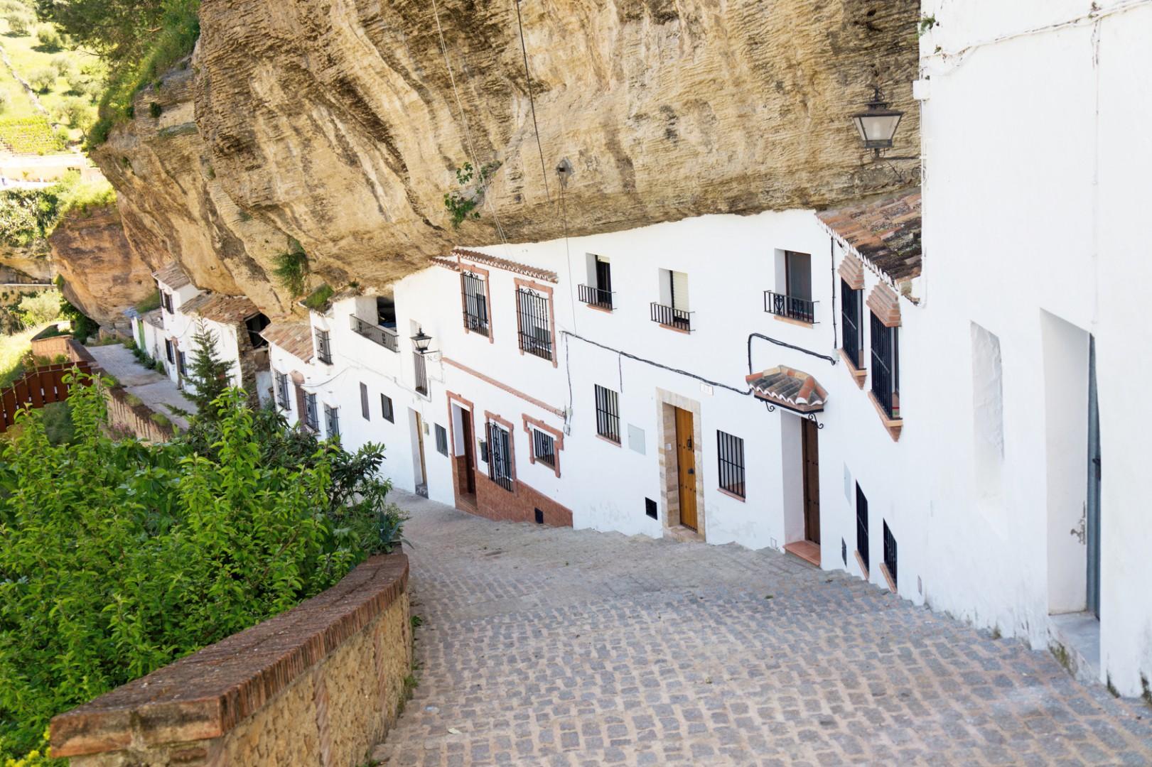 Setenil, il borgo incastonato nella roccia